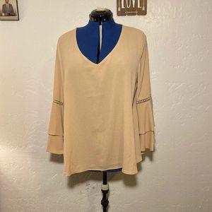 NWOT Cashian Magazine bell sleeve blouse, size 2X